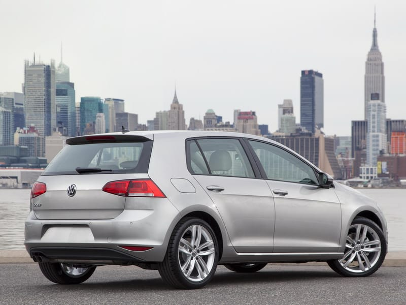 Volkswagen-Golf-2015